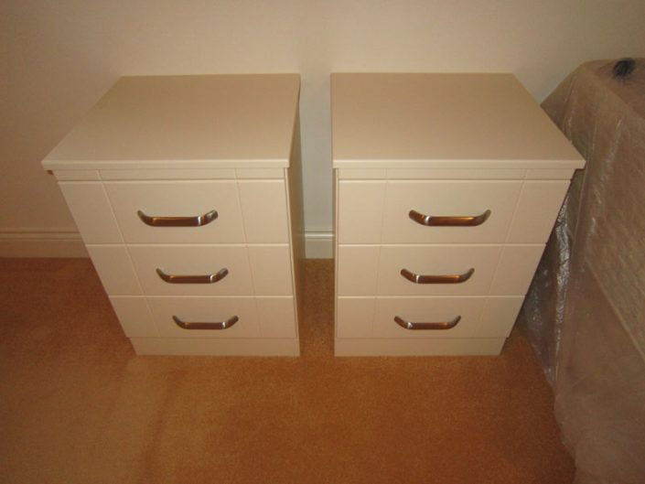 Made to measure bedroom furniture